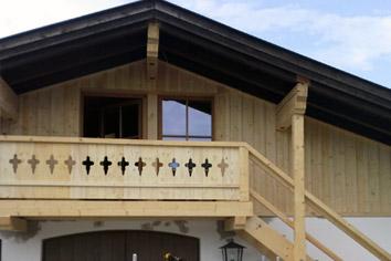 Holzfassade Mit Holzbalkon Merkl Zimmerei Rieden A Forggensee